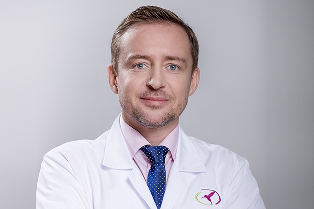 Na temat mitów i stereotypów związanych z medycyną estetyczną rozmawiamy z dr. n. med. Piotrem Niedziałkowskim